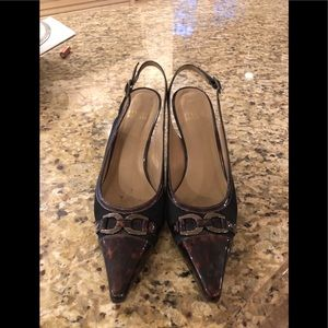 Black and tortoise fabric and patent pumps